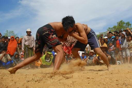 Tradisi Okol, Gulat Khas Pamekasan Madura