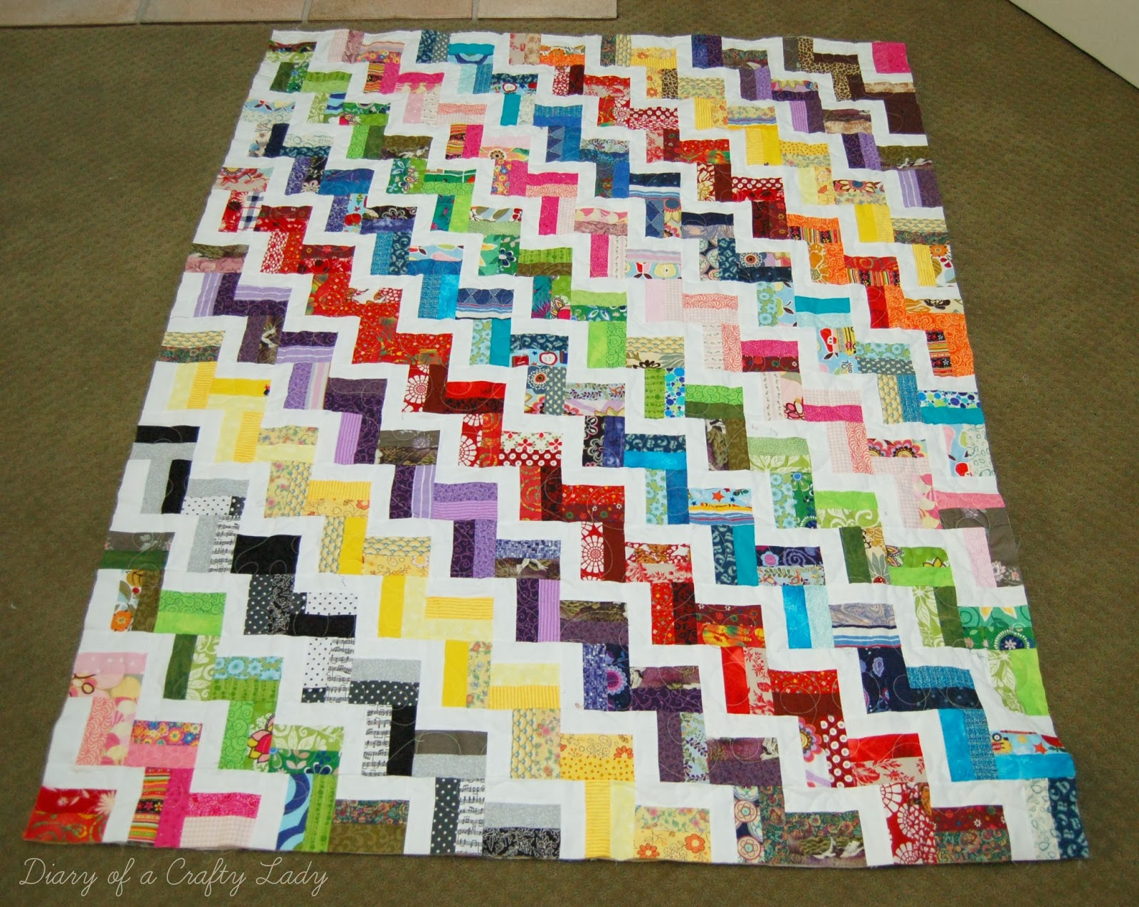 Diary of a Crafty Lady: Finished Zig Zag Scrap Quilt