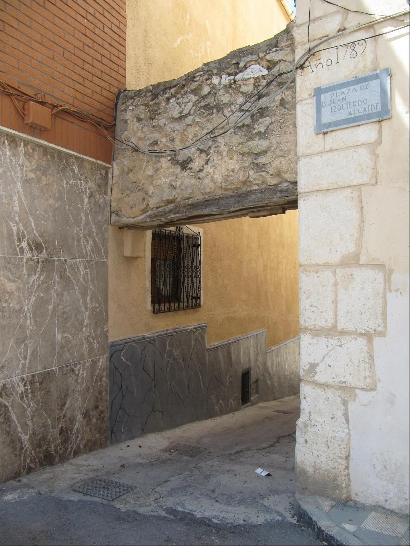 Apiarium puertas reales y postigos en biar - Dintel de madera ...