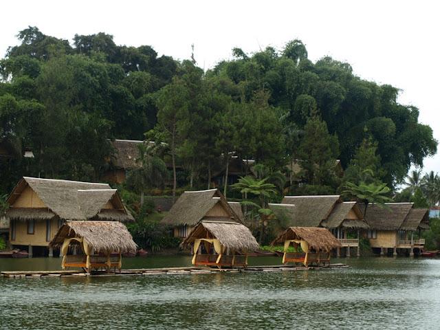 Kampung Sampireun -  Indonesia