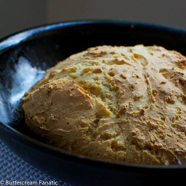 Quick and Easy Skillet Bread from Buttercreamfanatic.com