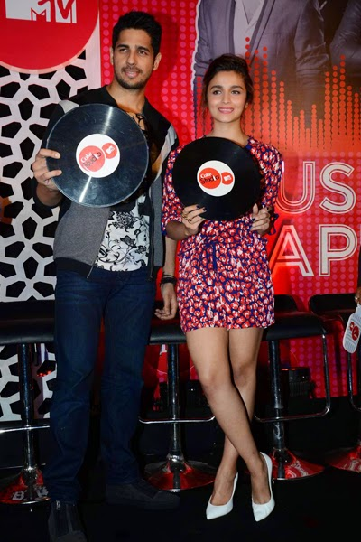 Alia Bhatt and Sidharth Malra launched the MTV Coke Studio Season 4 at Villa 69 10.jpg