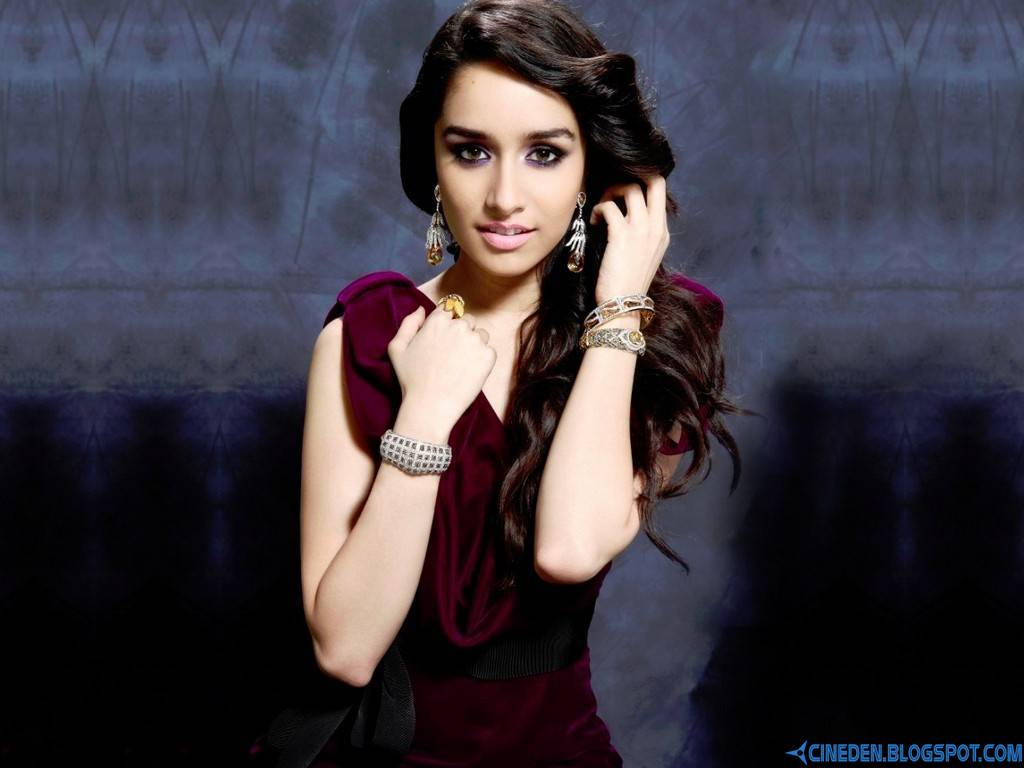 I don't see a scene as a lovemaking or a bold scene: Shraddha Kapoor
