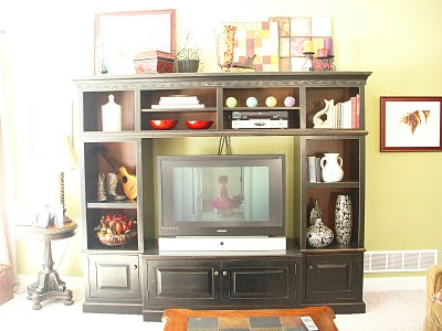 Hope Studios: Entertainment Unit Decorating Ideas