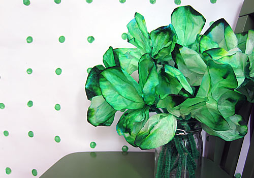 http://www.weknowstuff.us.com/we-know-stuff/2013/02/kids-craft-coffee-filter-shamrocks.html