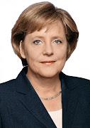 . Angela Merkel foi uma das 35 mulheres que perderam sua posição na lista .