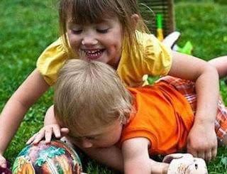Bagaimana Cara Agar anak Tidaak Saling Iri