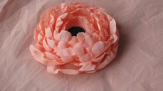 брошь своими руками, цветок, текстильные цветы, заколка