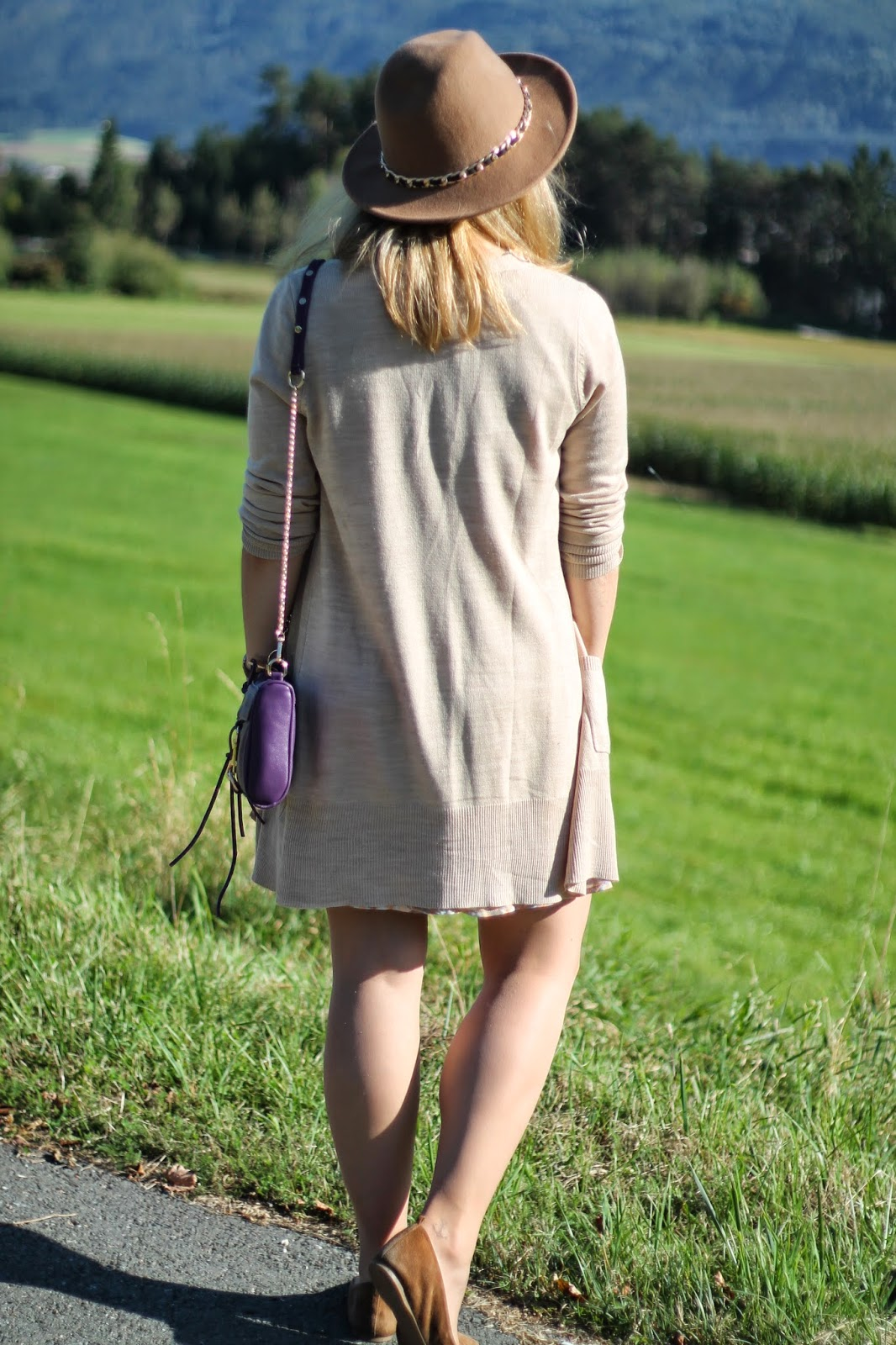 Fashionblogger Austria / Österreich / Deutsch / German / Kärnten / Carinthia / Klagenfurt / Köttmannsdorf / Spring Look / Classy / Edgy / Autumn / Autumn Style 2014 / Autumn Look / Fashionista Look / How to Style 7 / Sommerkleid im Herbst / Summer dress in Autumn / Zara Beige Hat / Forever 21 / Beige Cardigan H&M / J. Crew Flats / Rebecca Minkoff Look a like bag oasap / Ray Ban sunglasses Aviator /