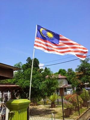 Kibarkan Bendera Sempena Kemerdekaan 2014