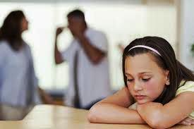 5 Penyebab Anak Sering Murung dan Coba Berontak