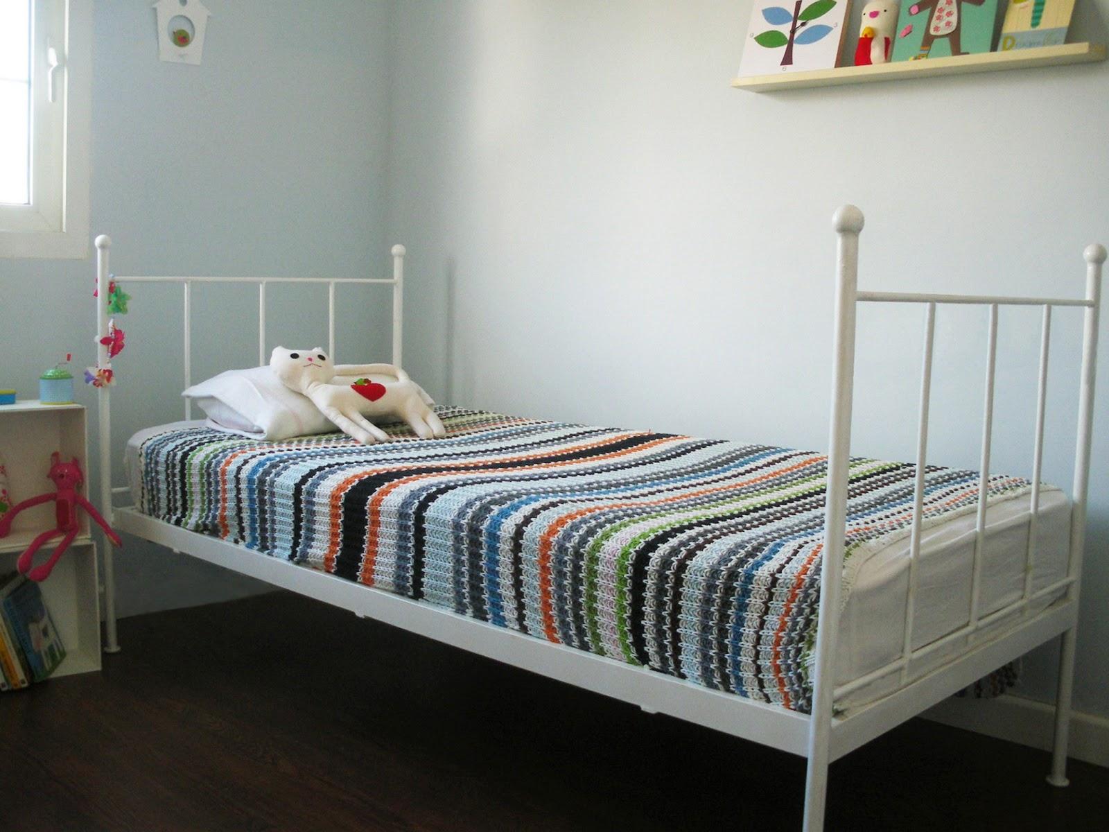 Kalma violeta camas y cabeceros para ni os - Cabeceros artesanales ...