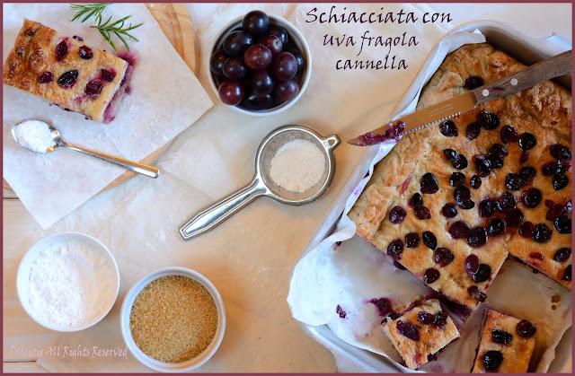 schiacciata con uva fragola e cannella