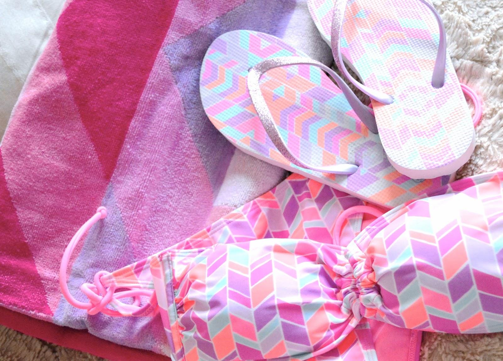 Primark Bikini, Primark Haul, Primark Flip Flops, Primark Beach Towel, Pink Geometric Design