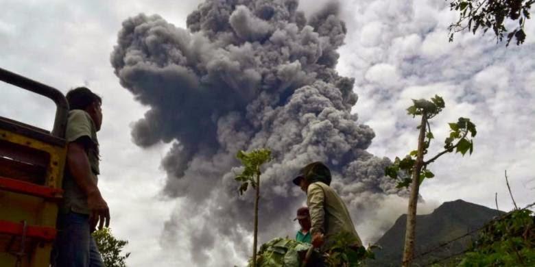 Gunung Sinabung kembali Muntah, Warga enggan pulang ke rumah