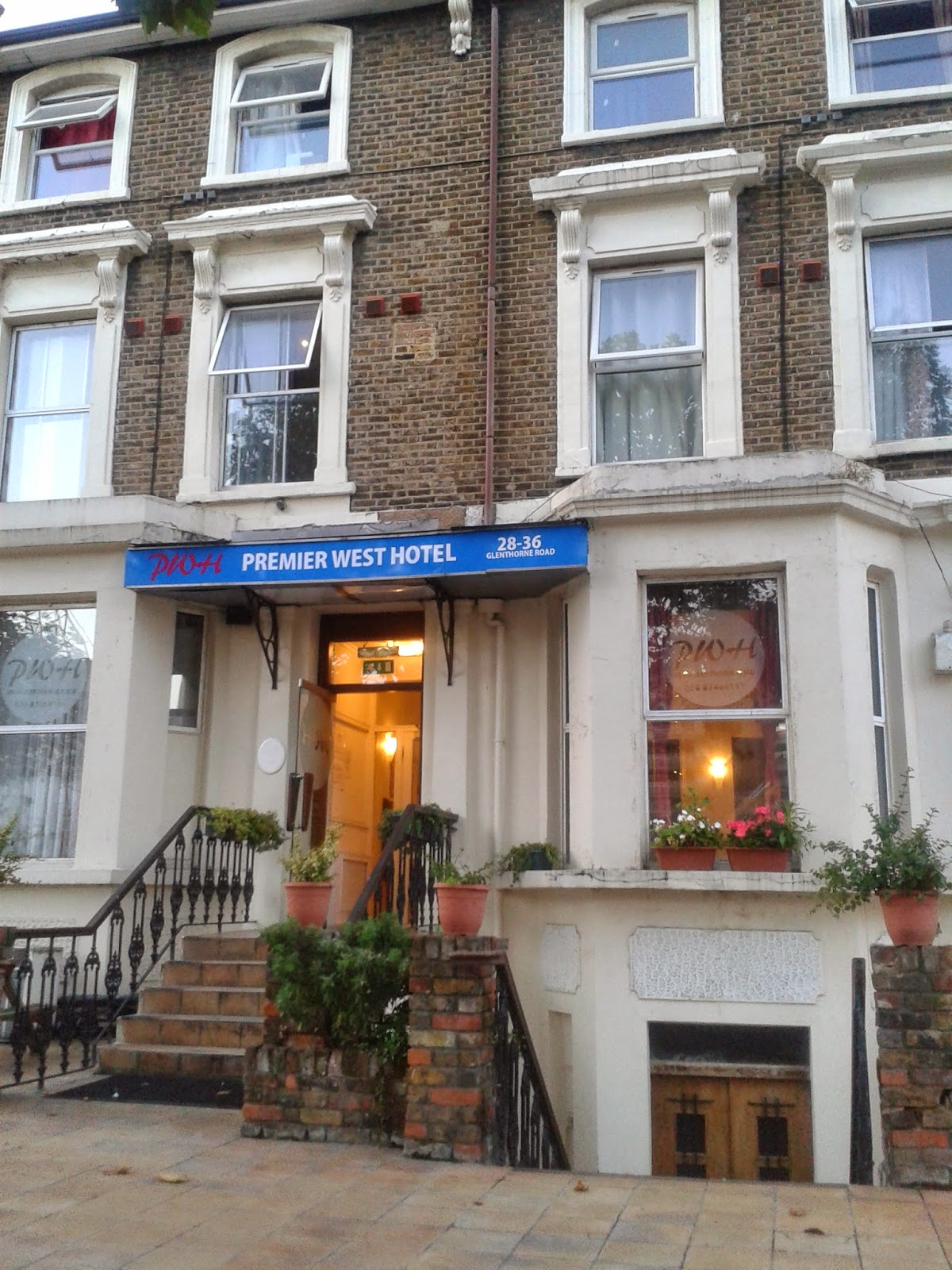 Premier West Hotel: alloggio economico a Londra in zona 2, fermata ...