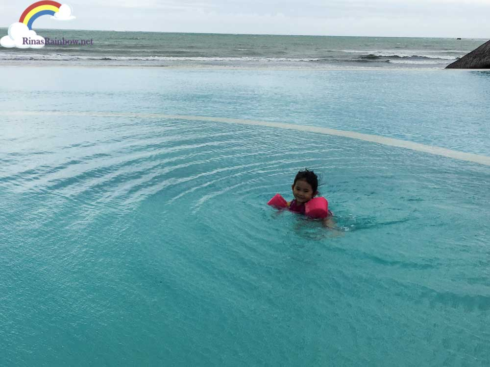 Rina 39 S Rainbow Playa Tropical Resort Hotel In Currimao