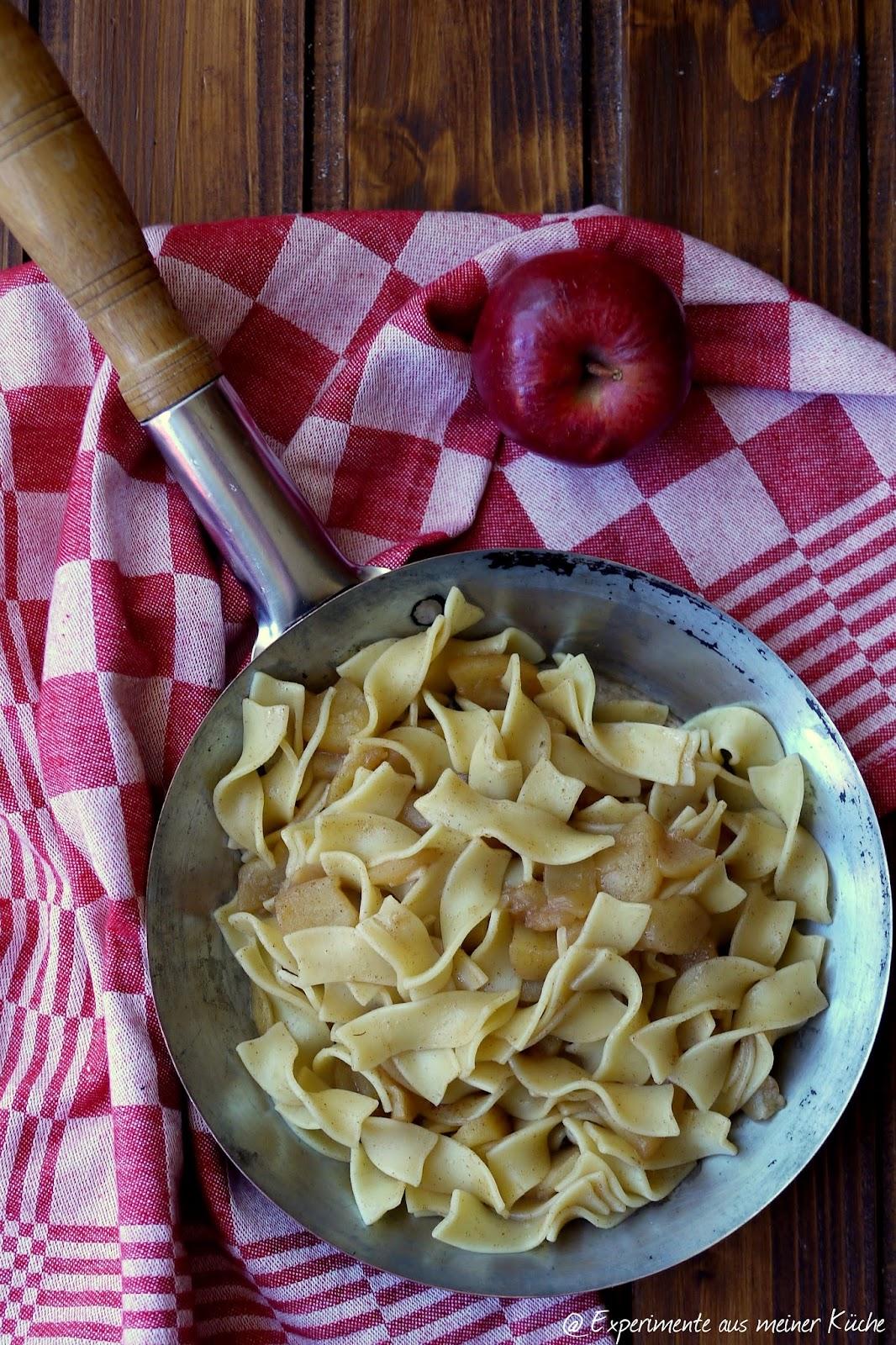 Experimente aus meiner Küche: Süße Nudelpfanne mit Zimtäpfeln