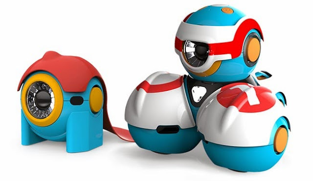 Video of 'Bo and Yana' robots that are designed to teach children to program