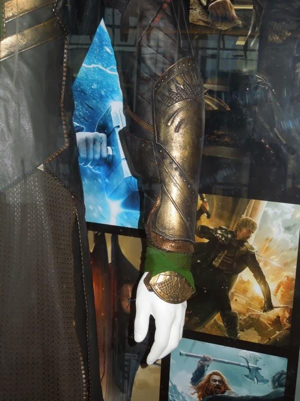 Loki costume sleeve Thor 2
