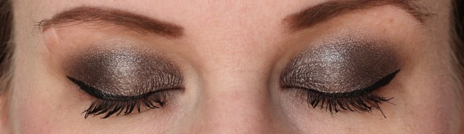 Clarins ombre matte shadow in sparkle grey on the eye lid