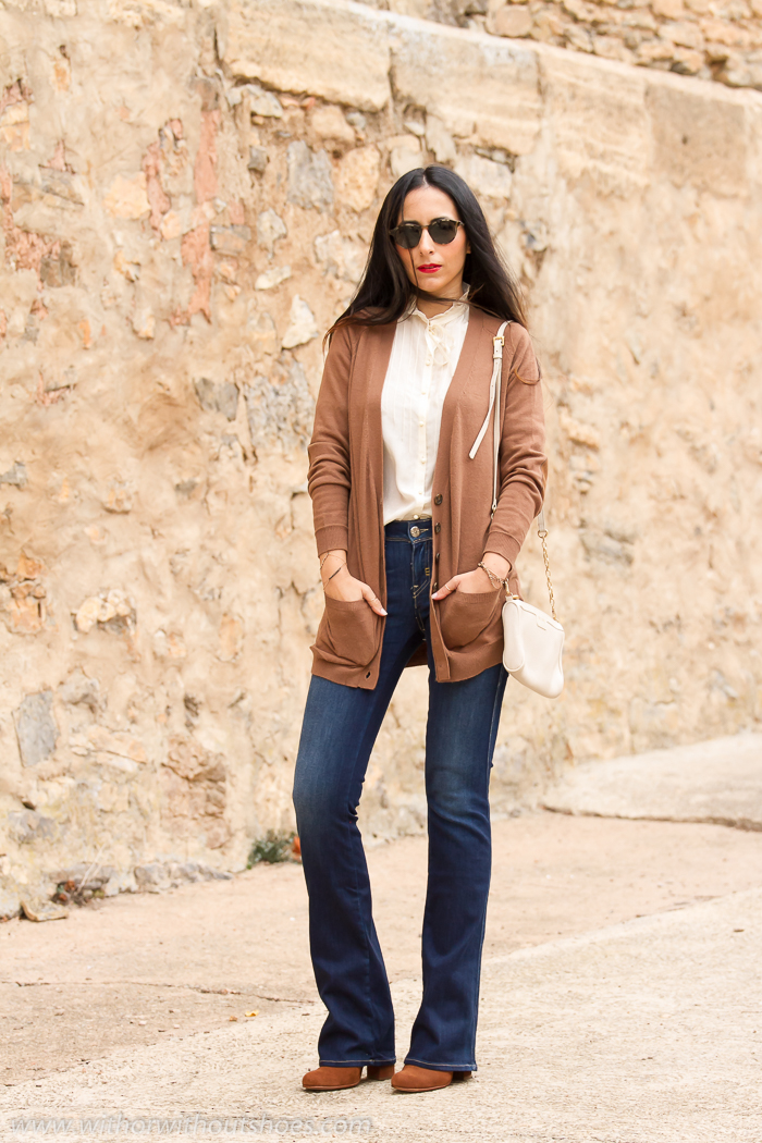 Bloguera de Valencia de moda con pantalones acampanados