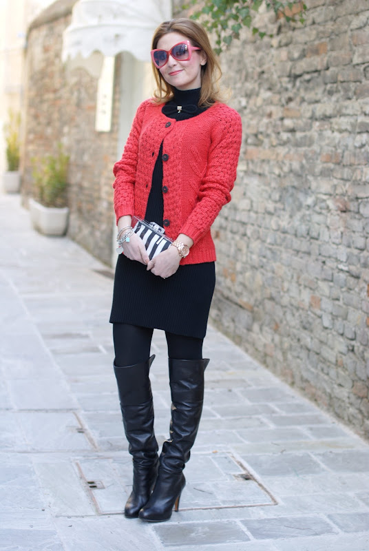 orange cardigan, cuissardes, black dress