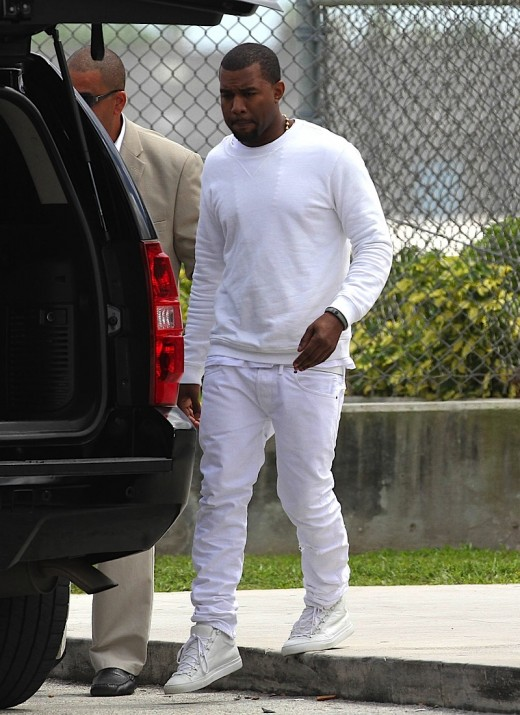 Kim Kardashian And Kanye West Arrive In Miami » Gossip | Kim Kardashian