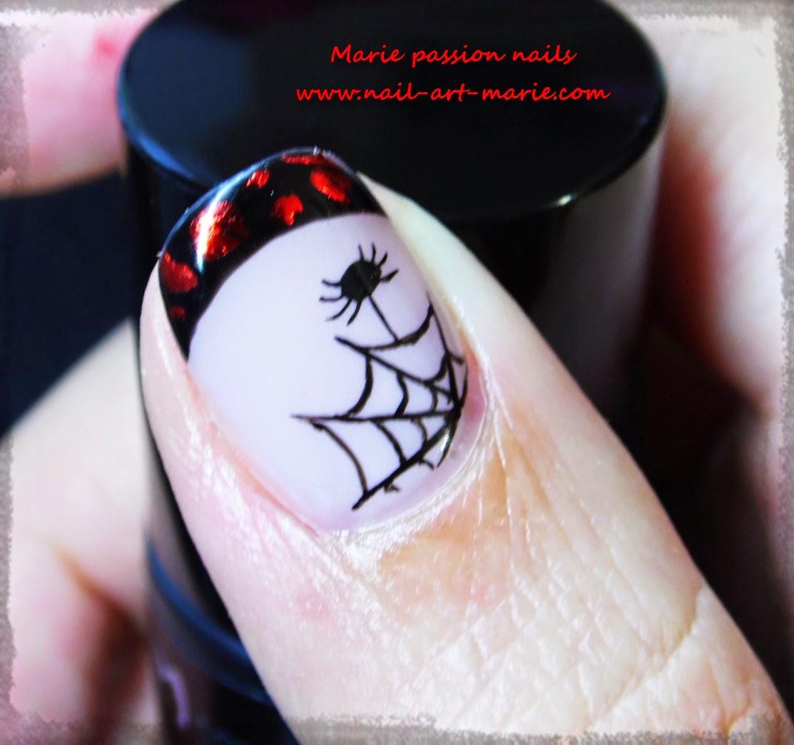 Nail Art d' Halloween en semi-permanent9