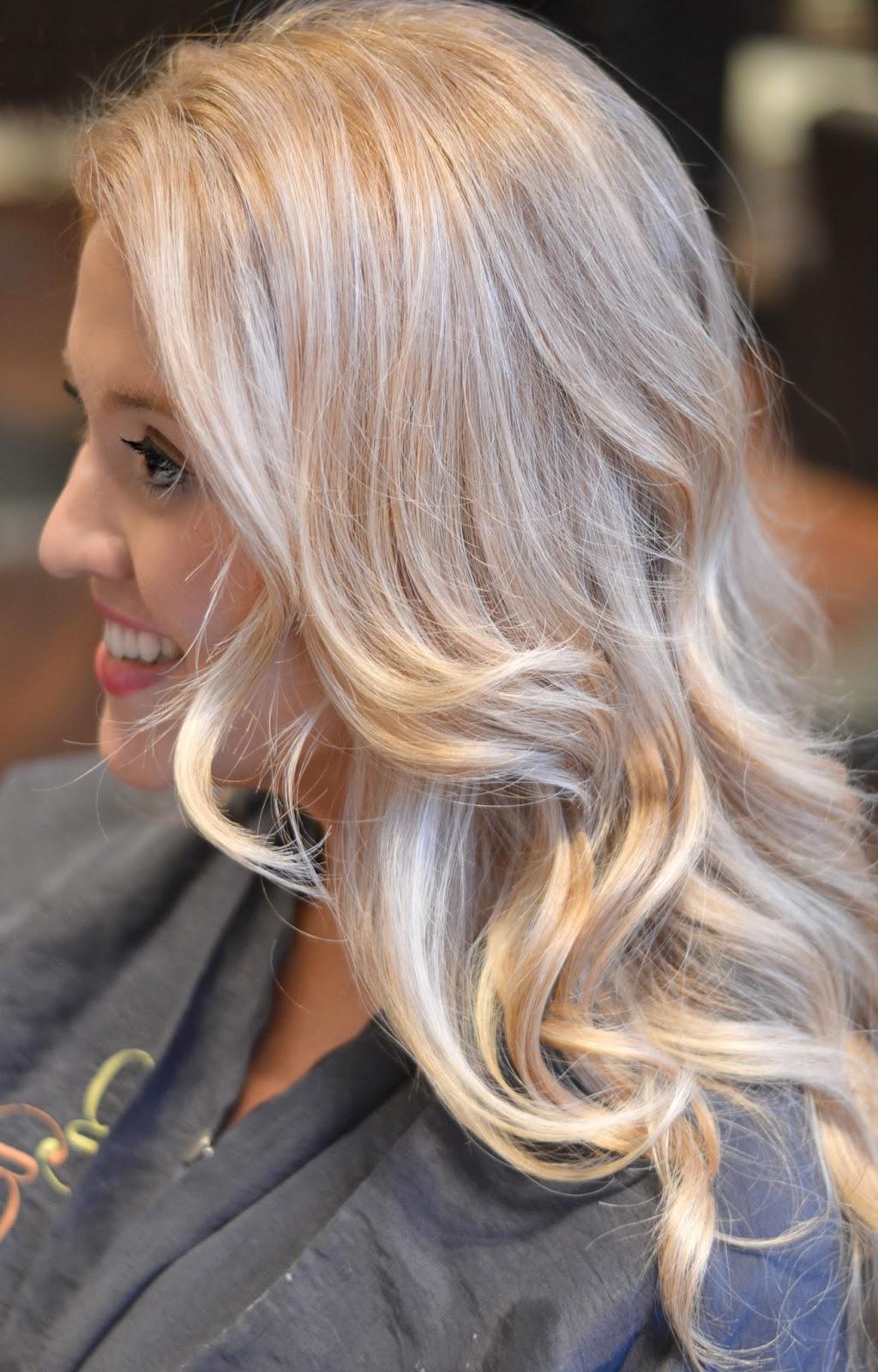 hair-salon-chicago-blonde-waves