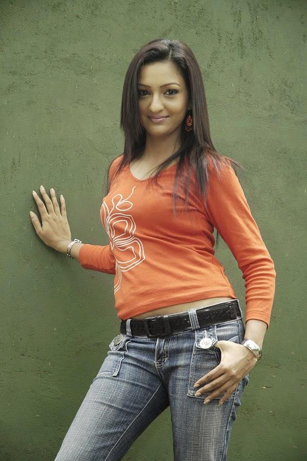 Sri Lankan Actress Anjula Rajapaksha
