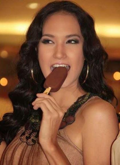 Nadine Chandrawinata photo