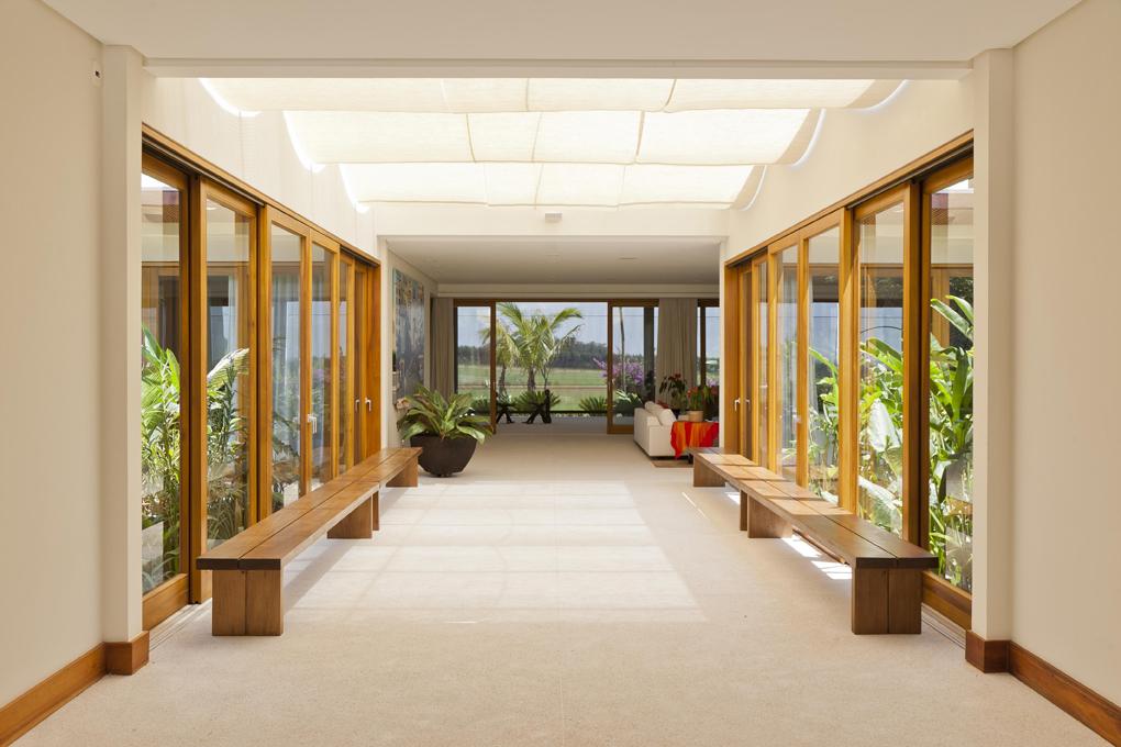Arquitetura e interiores casa h for Casas e interiores