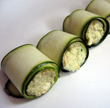 Raw zucchini rolls with cashew cheese