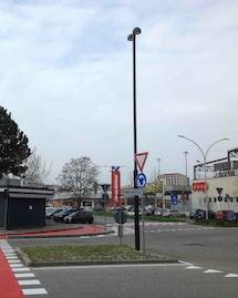 Torna l'illuminazione alla rotonda di via Moccagatta e nell'incrocio fra via Galimberti e via Sclav