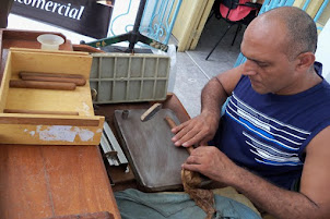 Tabaquero santiaguero produce H.UPMANN