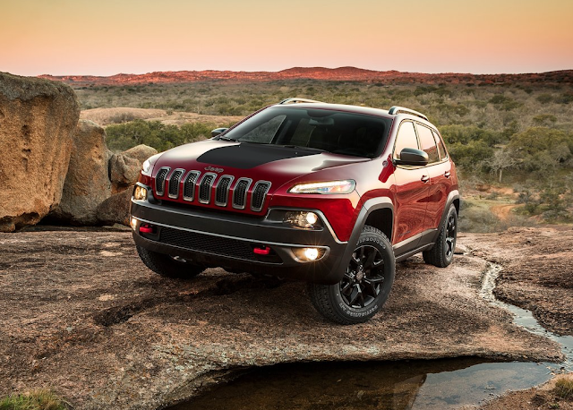 2015 Jeep Cherokee Trailhawk red