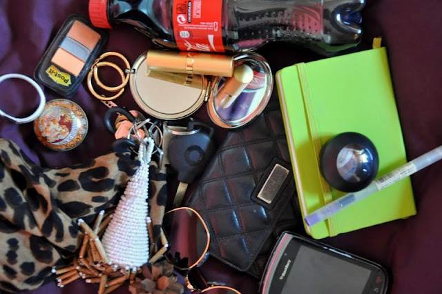 What do girls hide inside their bags?-408-mercedesmaya