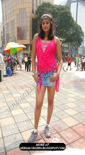 Priyamani milky thigh show