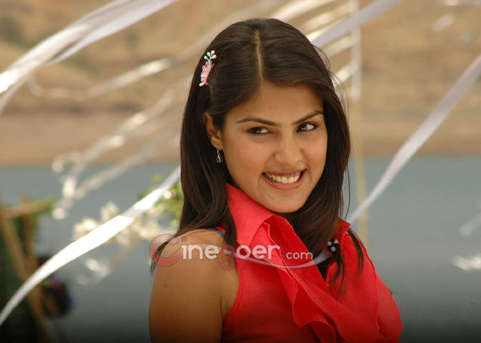 CinegoerImages.com: Actress Rhea Chakraborty Latest Photos
