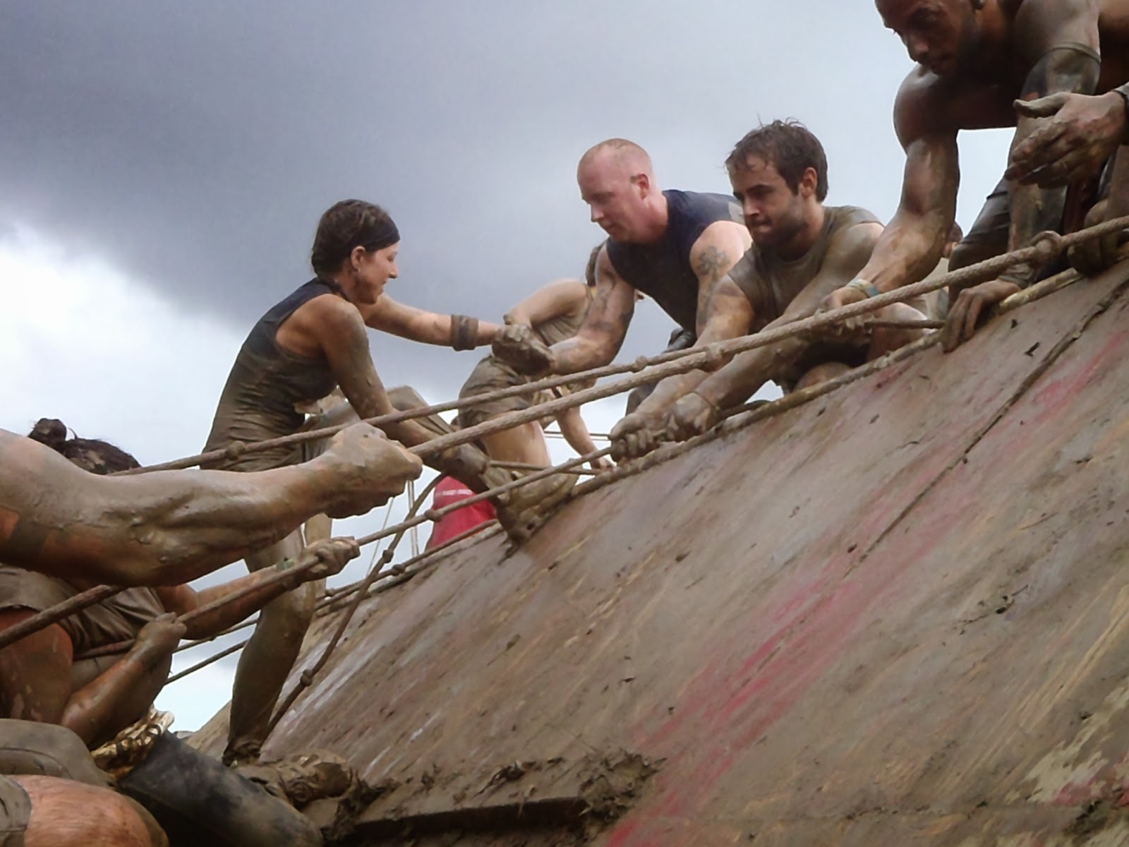 rugged maniac rope climb