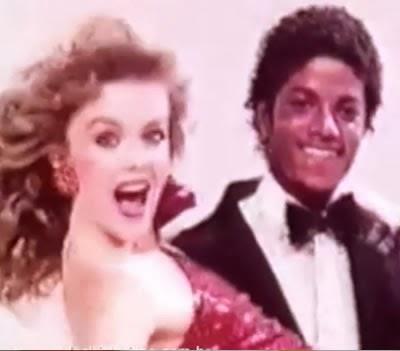 Propaganda do Michael Jackson para a Suzuki CL50 Love.