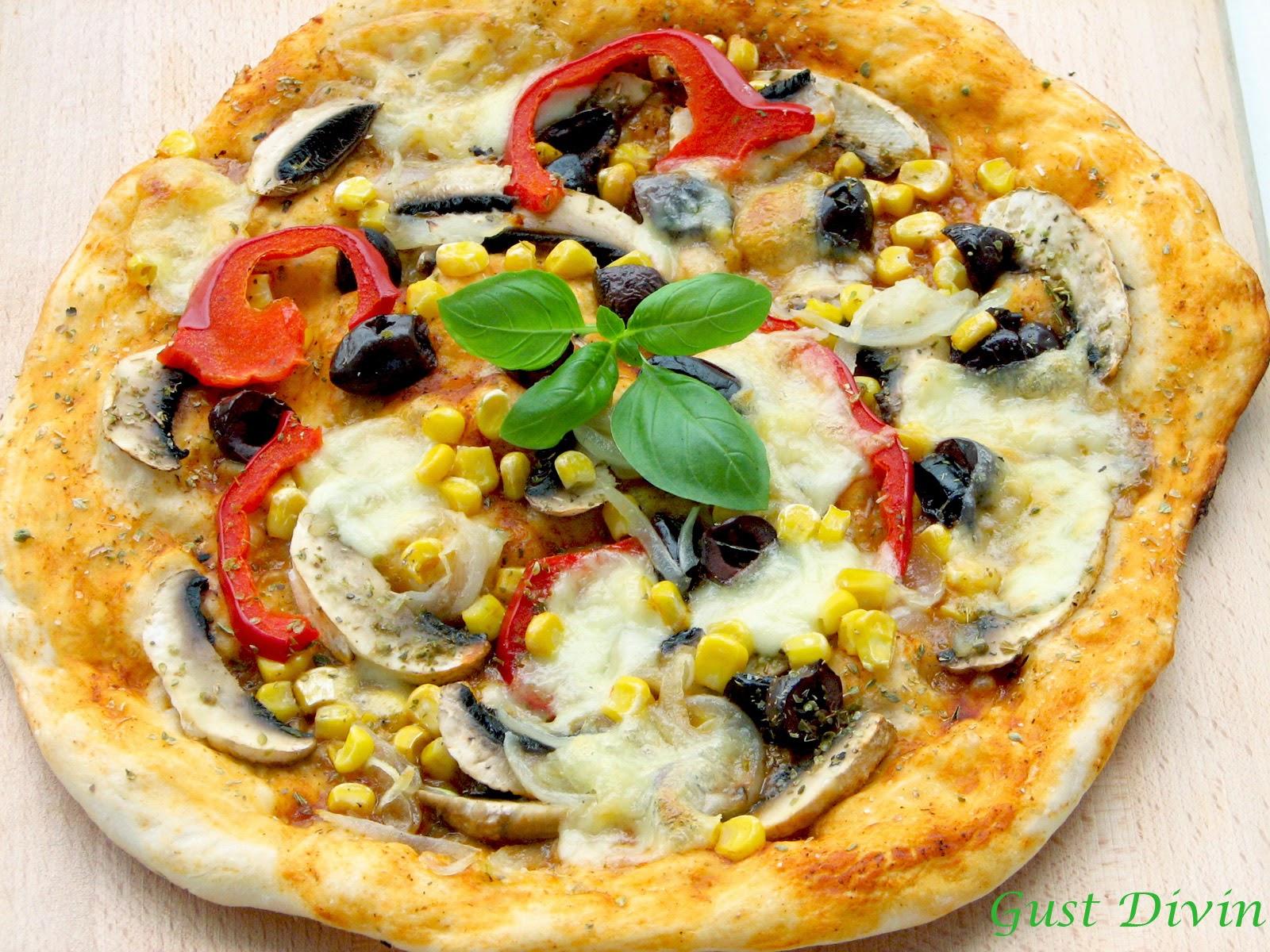 pizza cu blat crocant subtire
