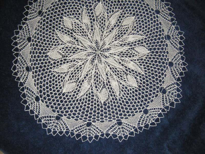 The Doily Underground: Back to my roots (doilies!)