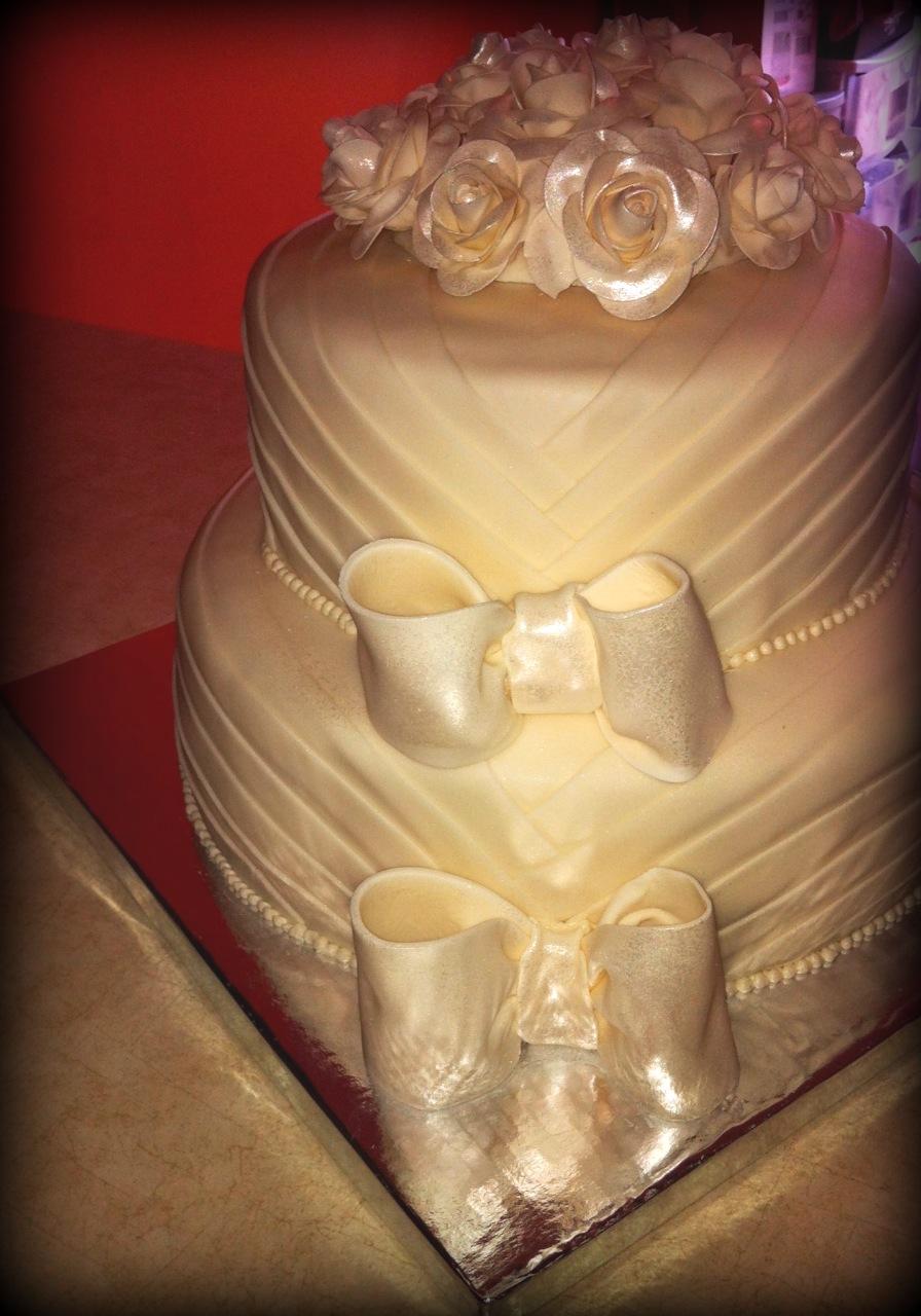 Sookie\'s Sweet Shop: Sookie\'s First Wedding Cake!