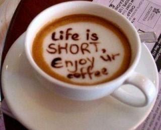 siapkan kopi dan rokok
