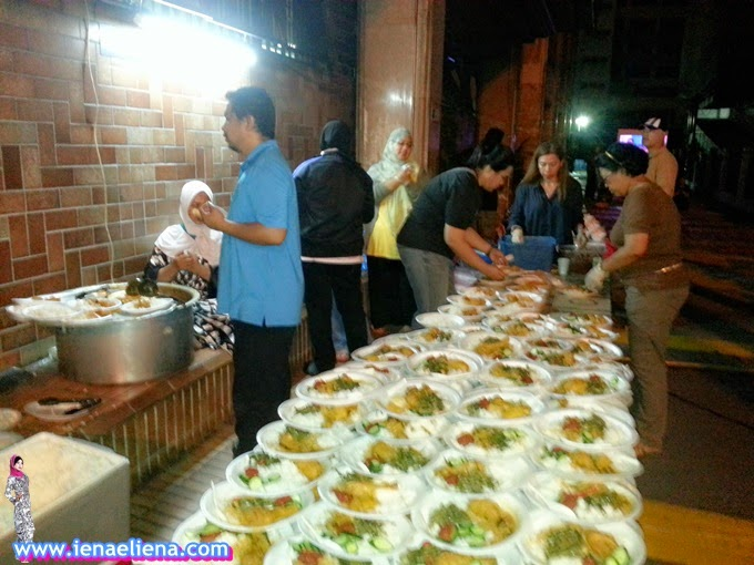 Feed The Homeless Programme 7 mei 2015