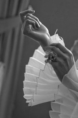 wedding spirit prestataire mariage mariage en hiver Senlis abbaye royale du Moncel Oise fourrure sur enfant d'honneur fourrure mariée photographe Alban de Marles