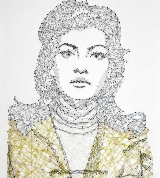Pamela Campagna arte pregos fios