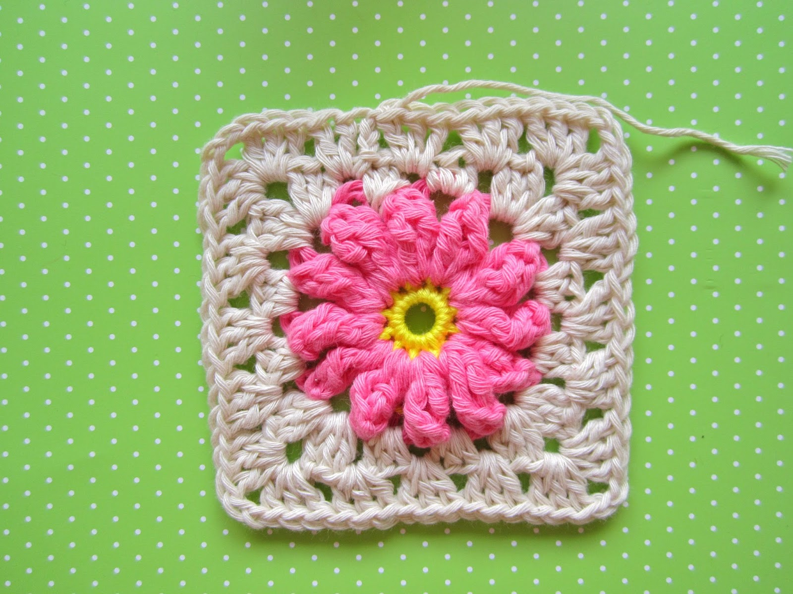 Color \'n Cream Crochet and Dream: Flower Square Tutorial III